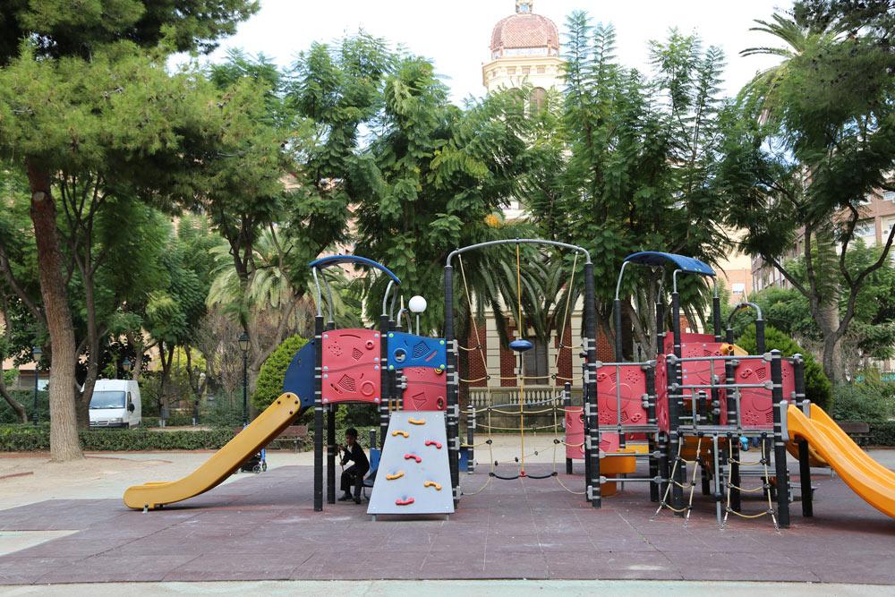 A uno de los lados del Palacete se ubicaron unas zonas de juegos para niños.