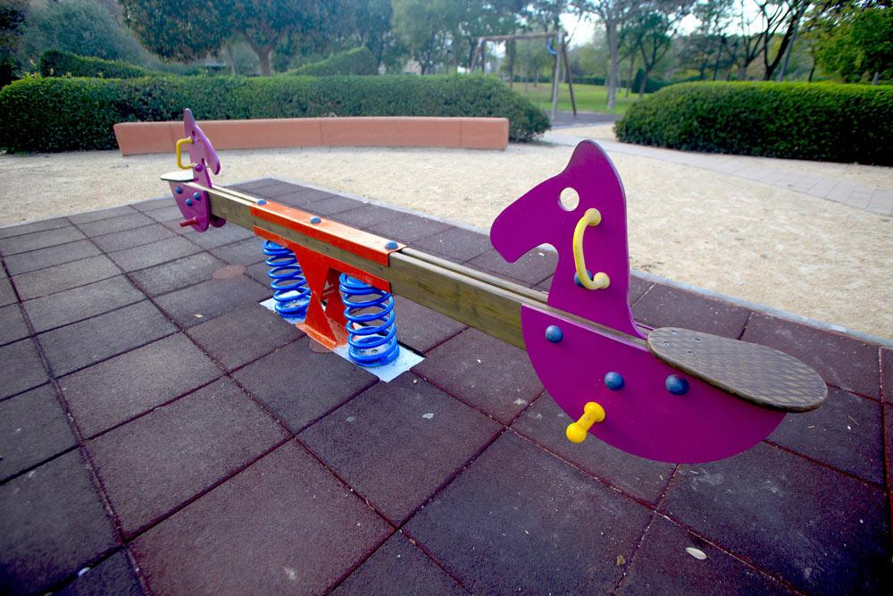 Àrees dedicades a jocs de xiquets, zones infantils